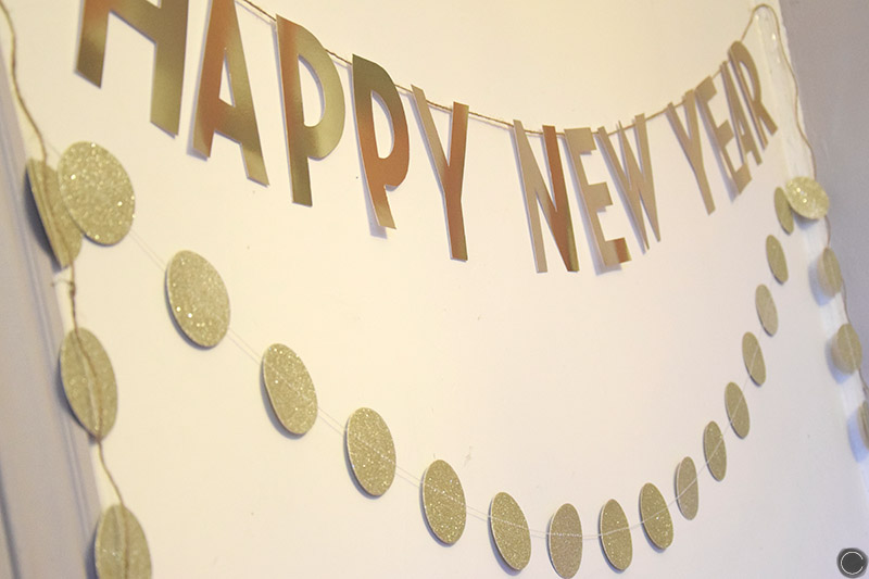 Diy 9 d co de soir e une banni re happy new year c by clemence - Deco reveillon nouvel an ...
