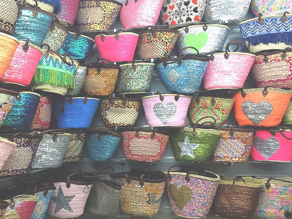 Boutiques de paniers en paille à Essaouira