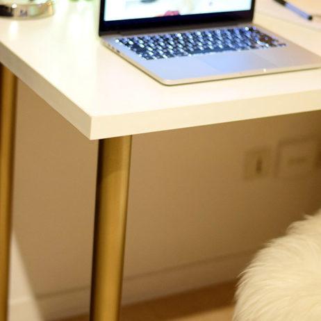 DIY #18 // Déco: un bureau customisé avec des pieds or
