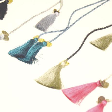 Atelier DIY #2 et tuto collier à pompons
