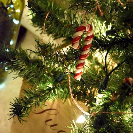 DIY #5 // Déco de Noël : Guirlande à grelots et suspensions sucres d'orge