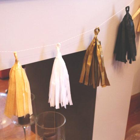 Gatsby Party #5 // DIY guirlande de pompons en papier de soie