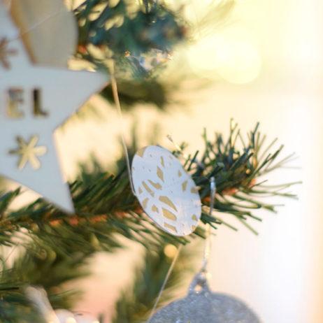 DIY #26 // Noël : guirlande en papier cousue