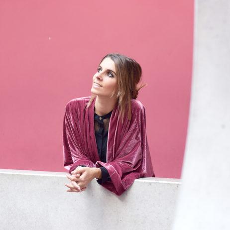 Le cas du kimono en velours rose
