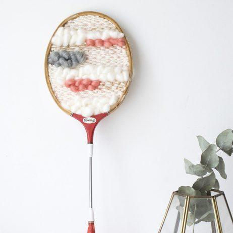 DIY upcycling : une raquette de badminton comme un tissage