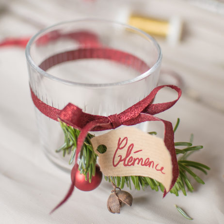 Table de Noël : le DIY des marque-places de Noël